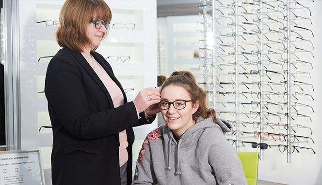198789b030f Lesley Dobbie Optometrists